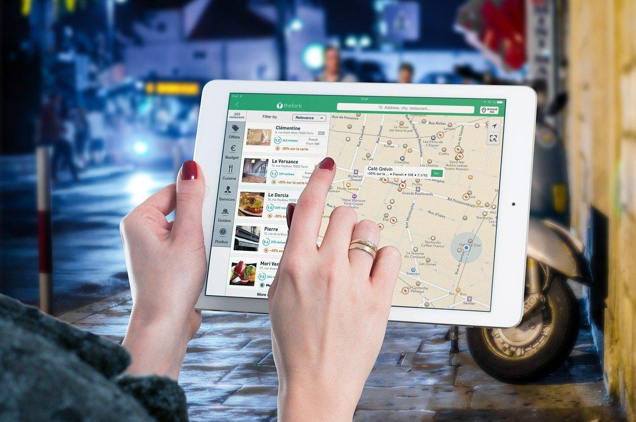 Test nawigacji mobilnych – zobacz, którą wybrać!