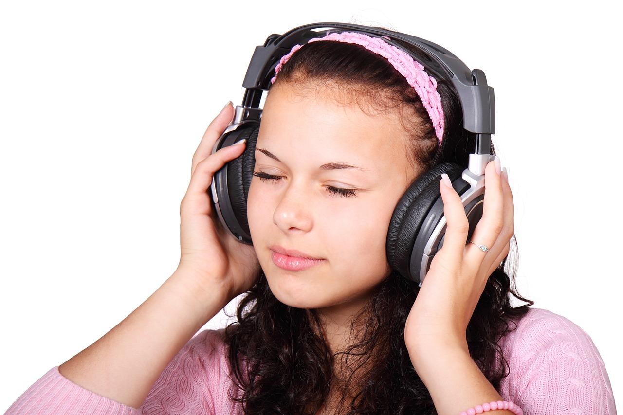 Jak wybrać słuchawki z redukcją hałasu ANC?